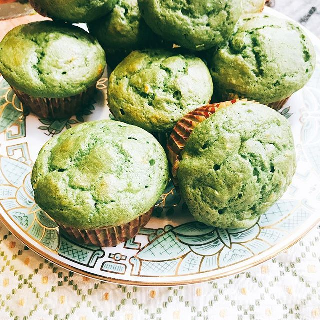 happy st.patrick's day! 🍀🍀 these green muffins are perfect for today. Containing an entire bag of spinach, (you'd never know it!) they're delicious and an easy way to get some greens into your little ones. Thanks @pamelasalzman for the tasty and easy recipe. 💚💚 #eatyourgreens #spinachmuffins #healthyanddelicious #unbeetablenutrition
