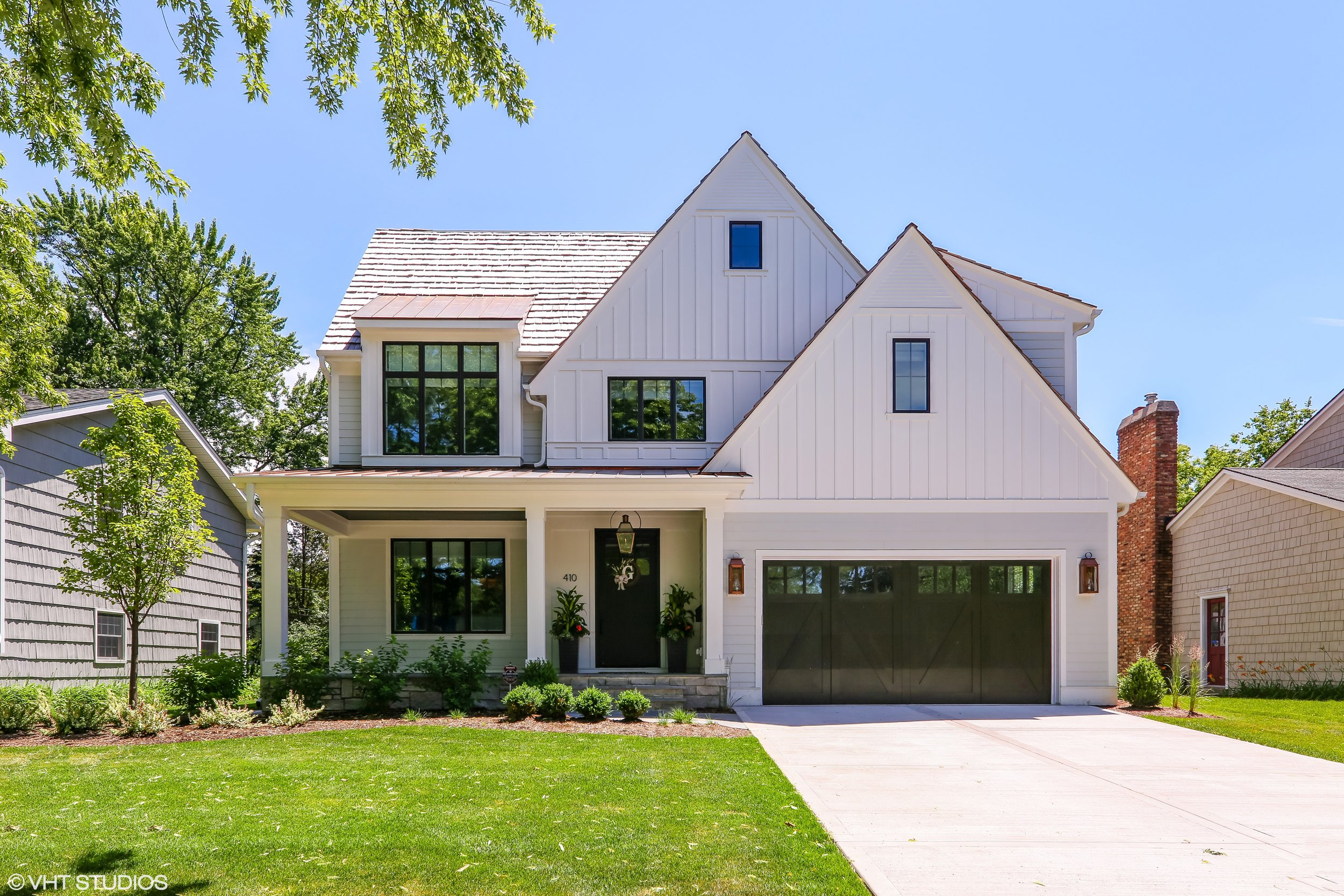 Modern Farmhouse in Hinsdale