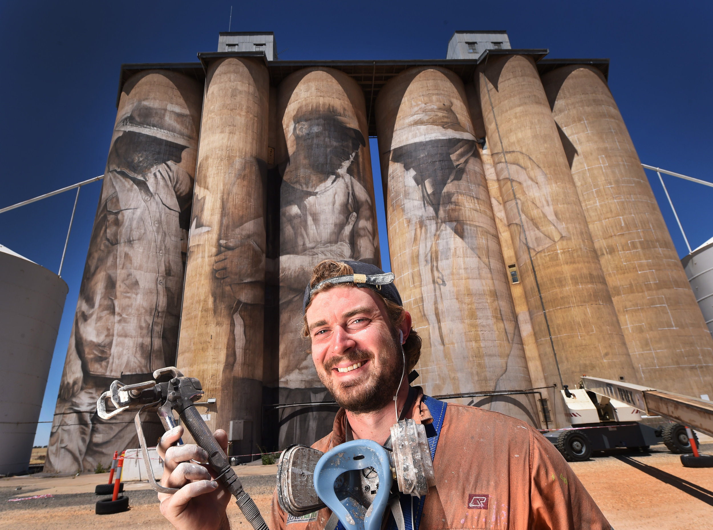 CHP_Export_131160019_Guido van Helten paints a Silo at Brim in the Northern Wimmera. Picture Rob.jpg