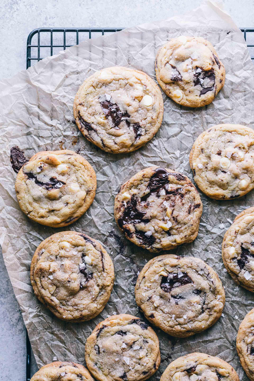 20180306-untitled-5138.dark.chocolate.chunk.white.chocolate.chip.macadamia.nut.cookies-2.jpg