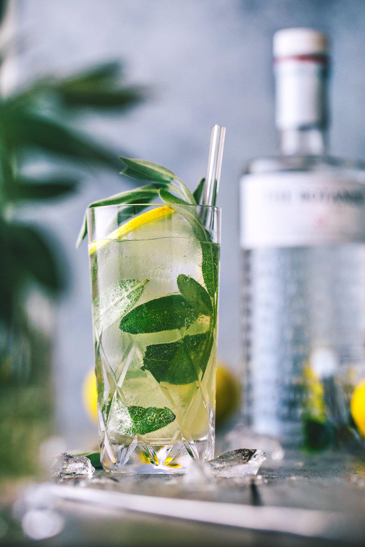 sage.spritz.the.botanist.gin.8687.1-1.jpg