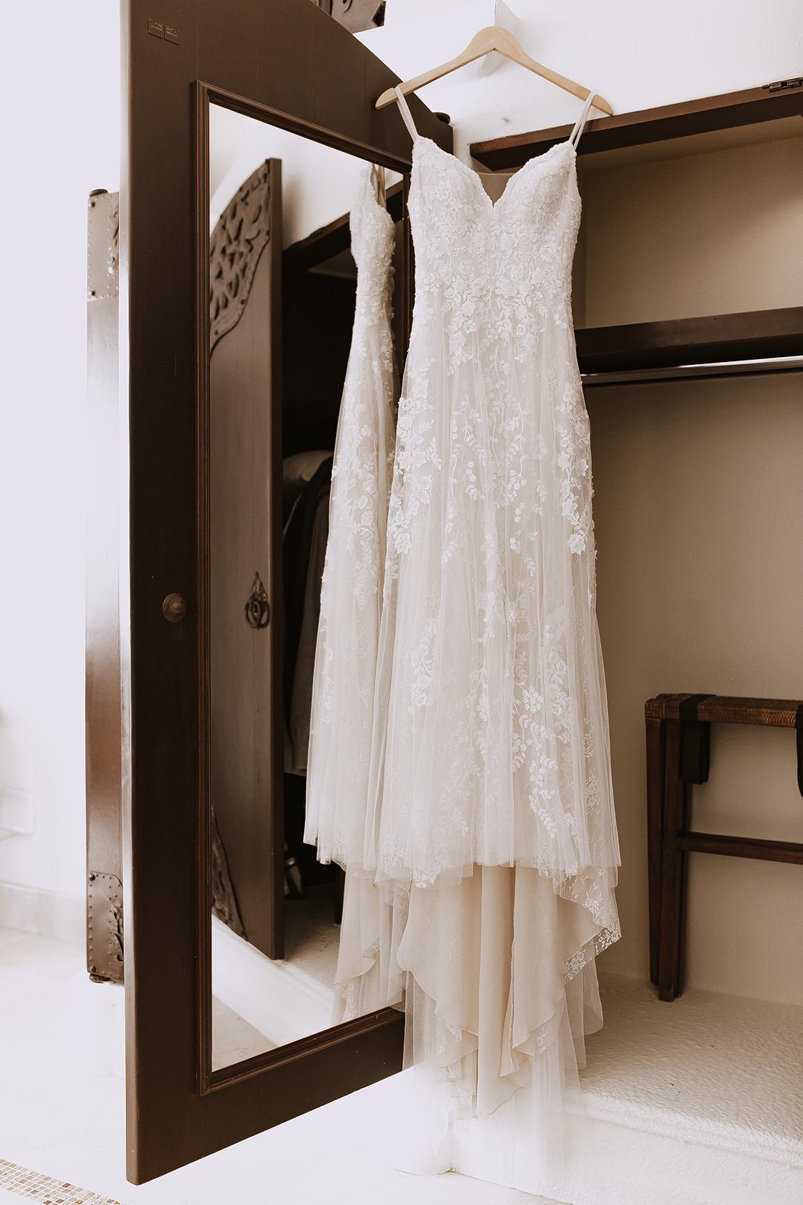 Lindsei+James_cabo_wedding_9.jpg