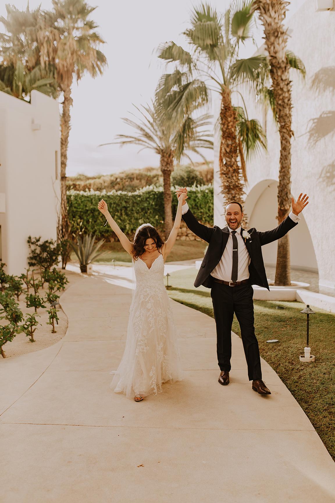 Lindsei+James_cabo_wedding_453.jpg
