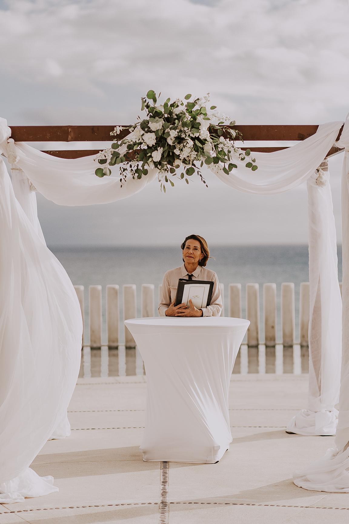 Lindsei+James_cabo_wedding_491.jpg