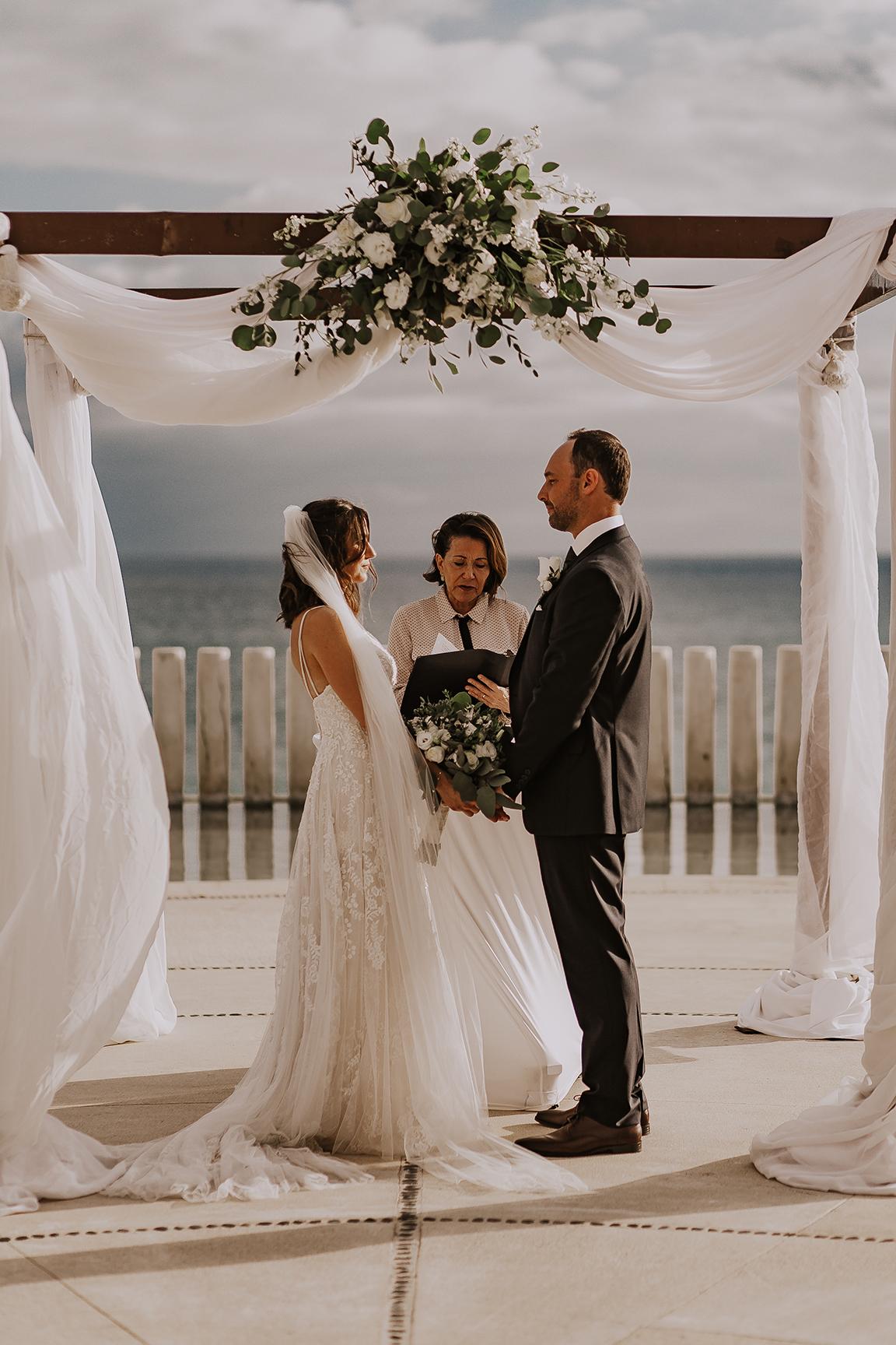 Lindsei+James_cabo_wedding_522.jpg