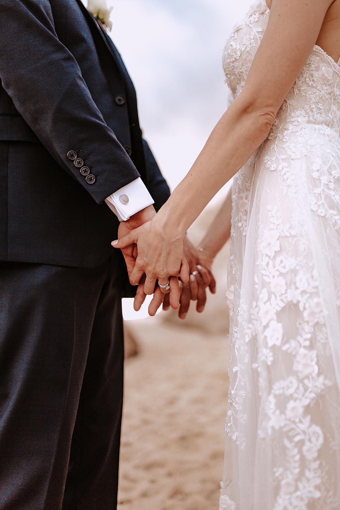 Lindsei+James_cabo_wedding_720.jpg