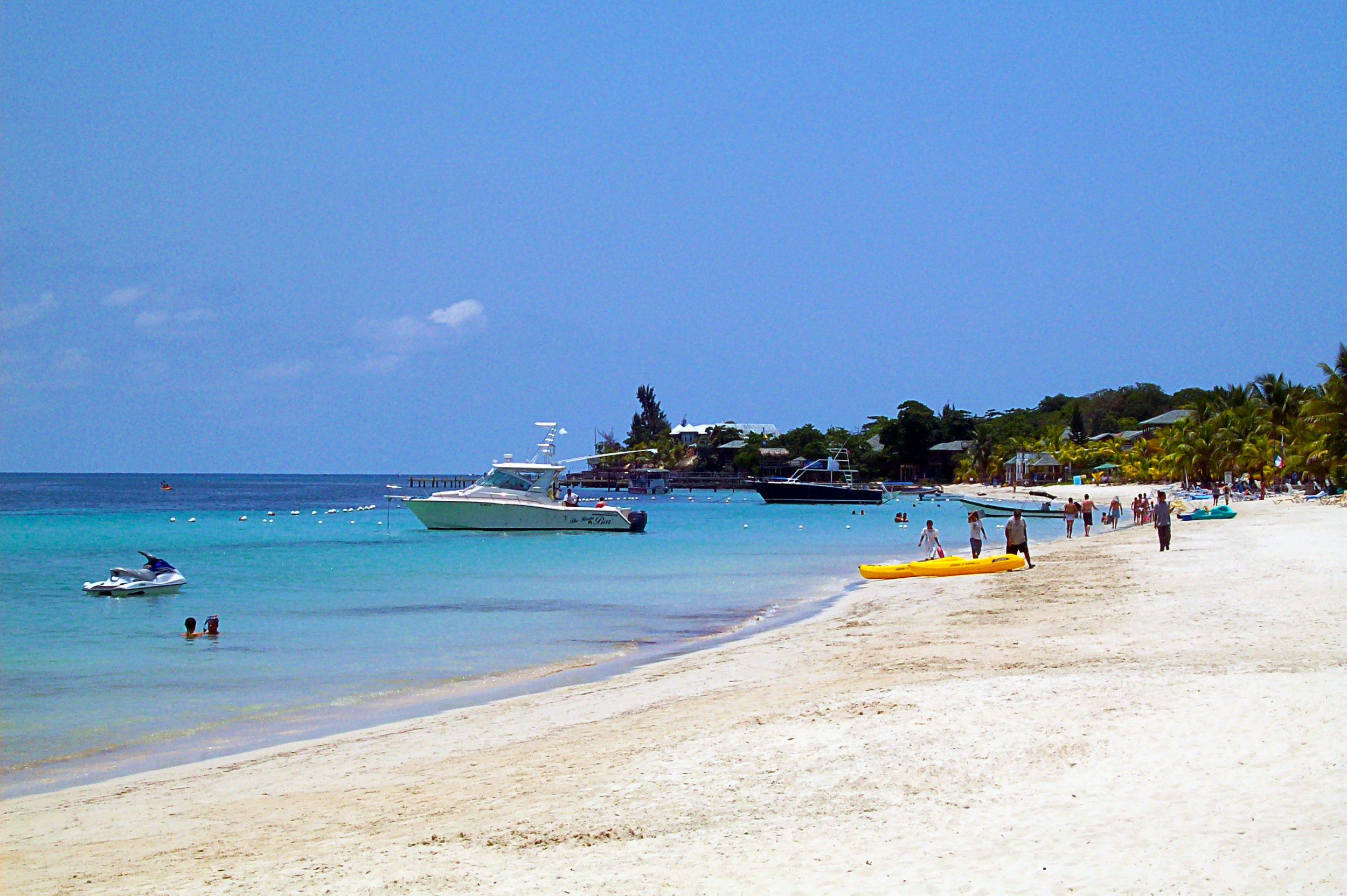 West_Bay_Beach_-Roatan_-Honduras-23May2009-g.jpg