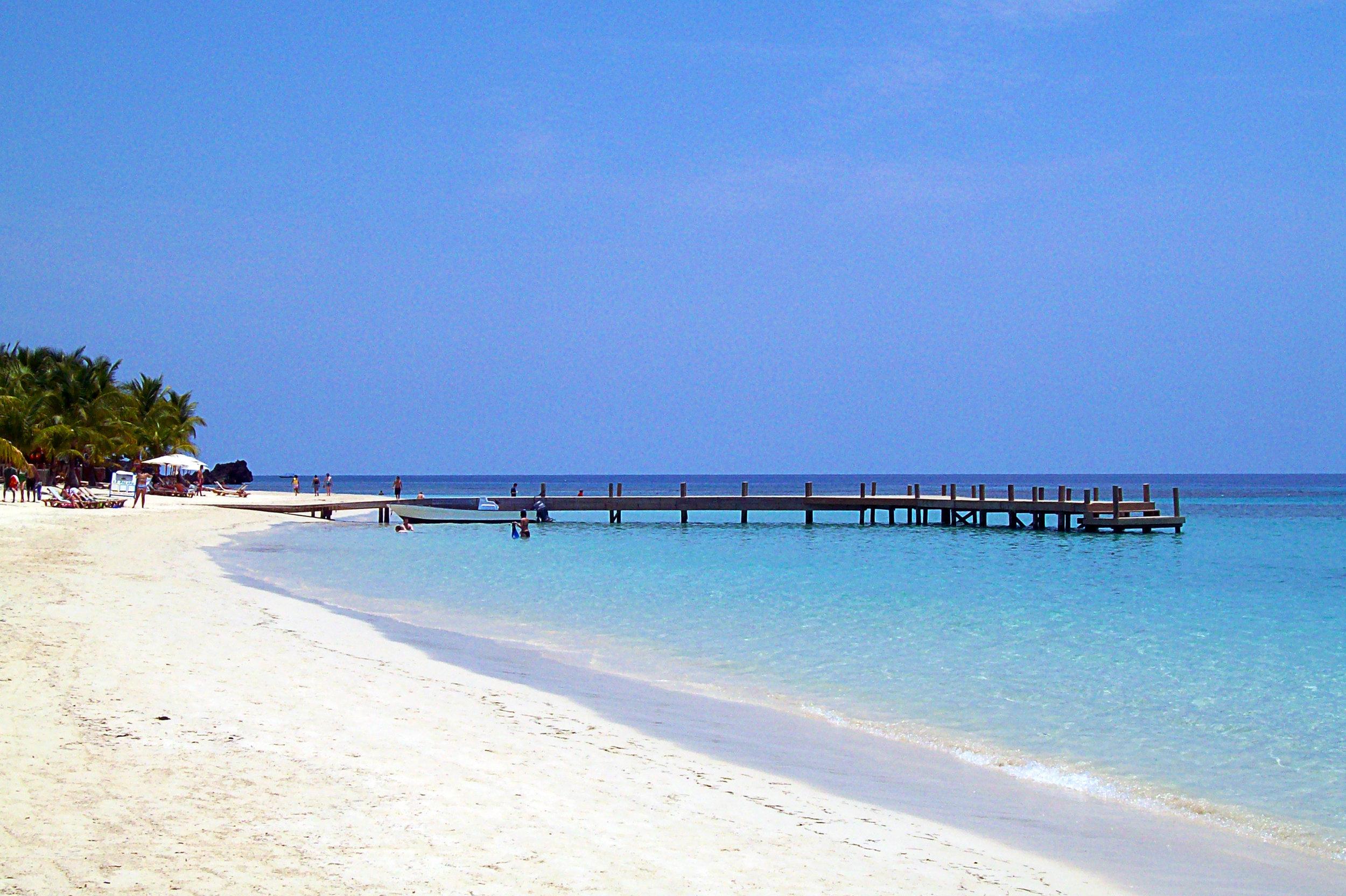 West_Bay_Beach_-Roatan_-Honduras-23May2009-d.jpg