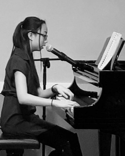 Quiana Cheng - Quiana has a true passion for art, from drawing, singing, dancing to musical instruments. She has been fortunate to study with inspiring teachers and looks forward to sharing her excitement with students as she continually advances her own music education.Meet Quiana →