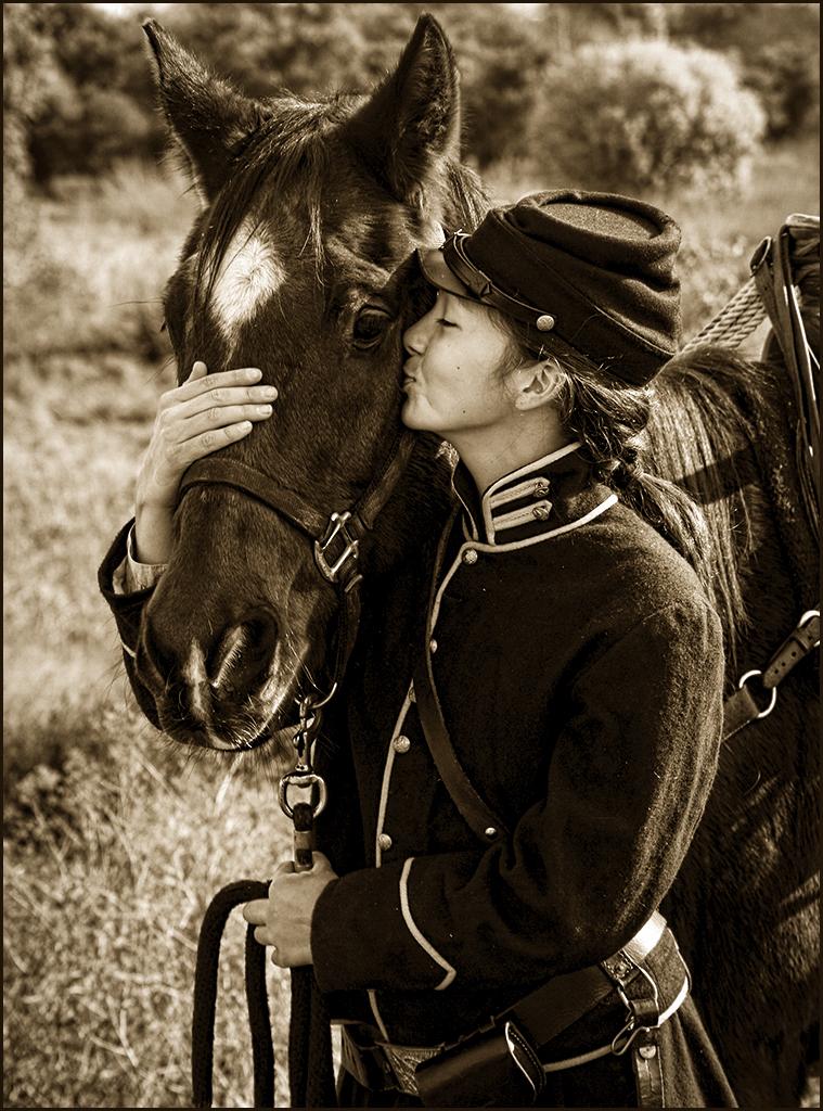 Equestrian Kiss_9149 25A.jpg