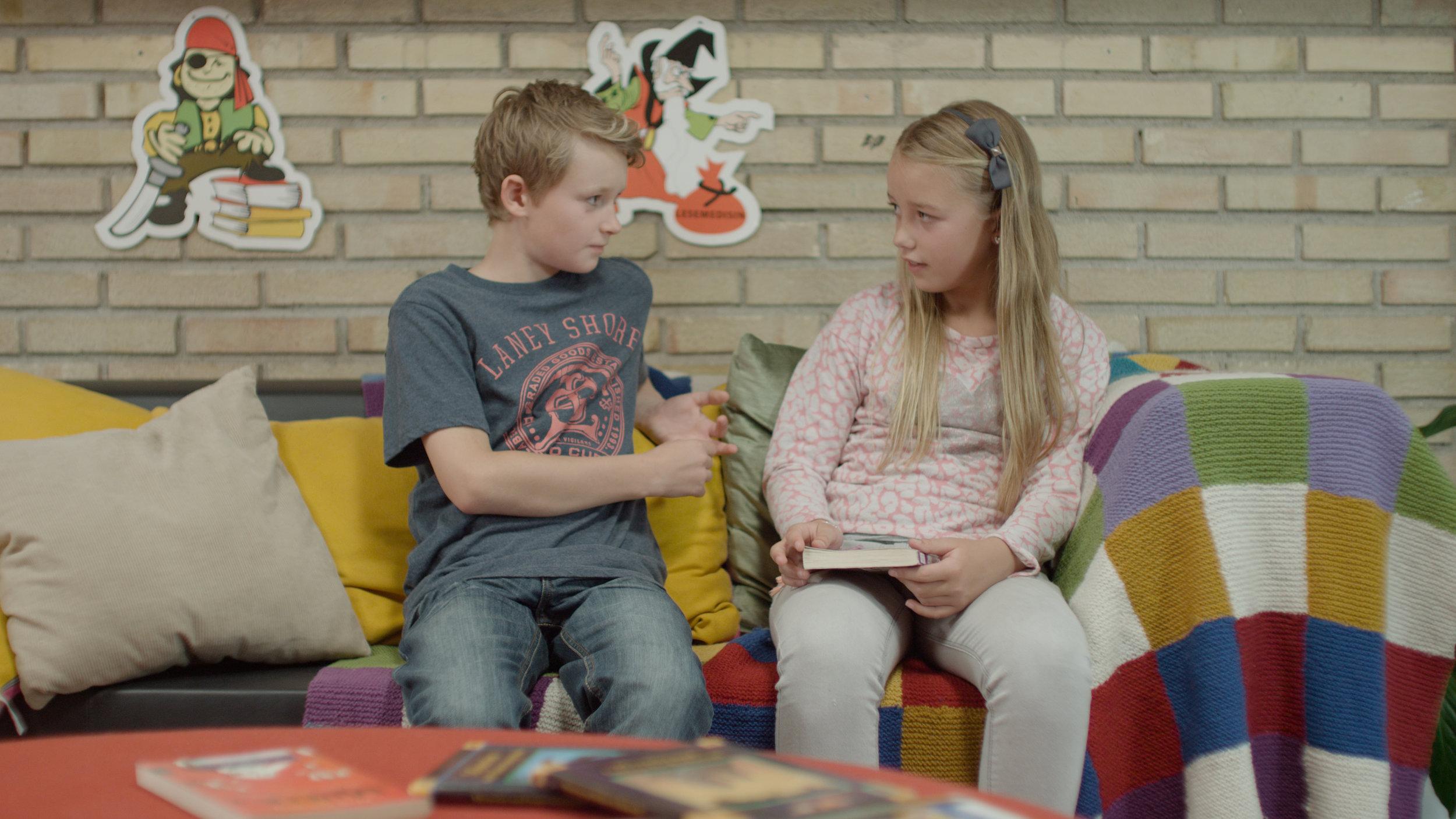 KAMPEN STILLS - Stian og Sara i sofa (Foto Audun G. Magnæs).jpg
