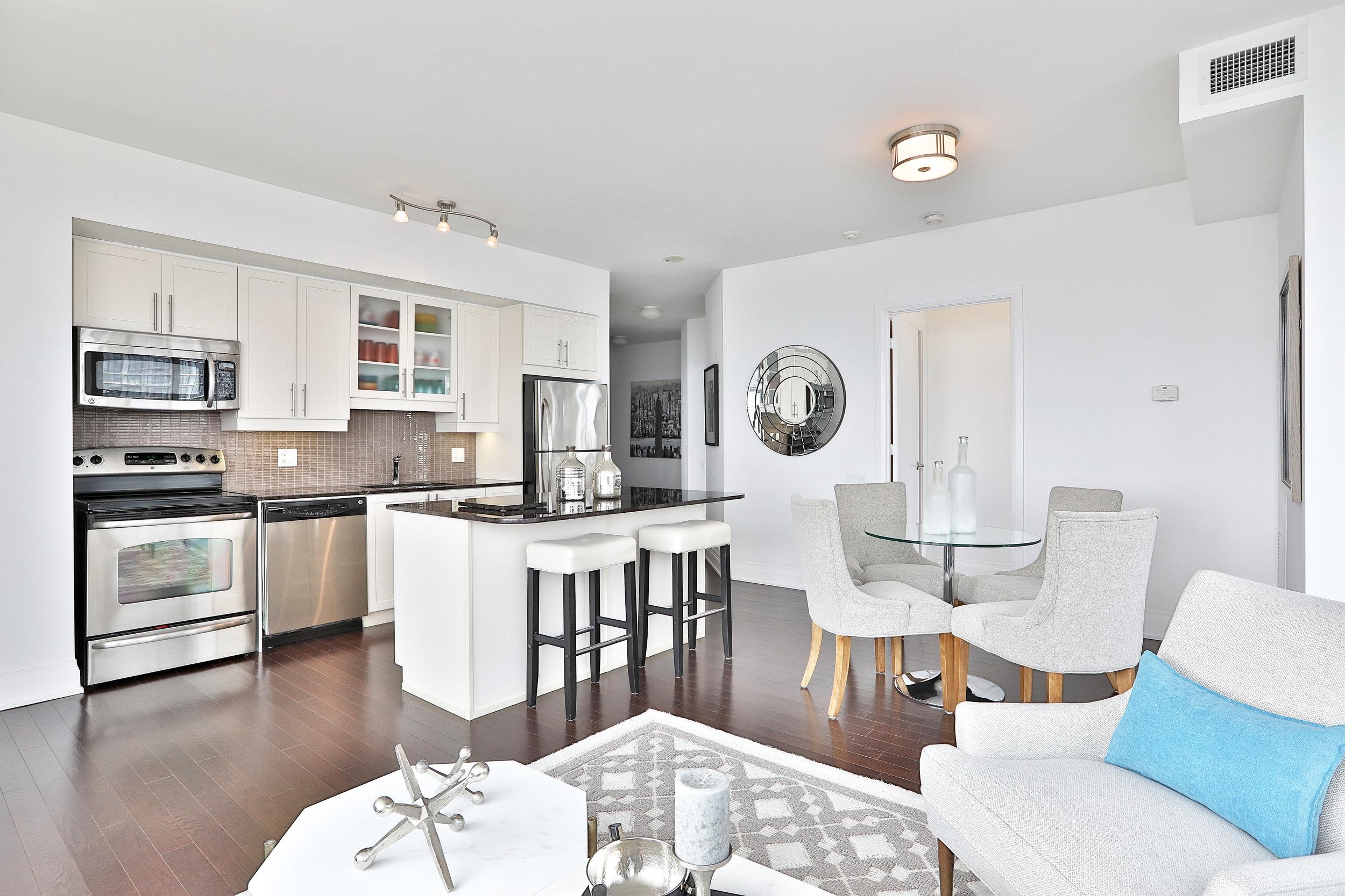 2191 Yonge Street Open Concept Living Room Slavens Real Estate Toronto.jpg