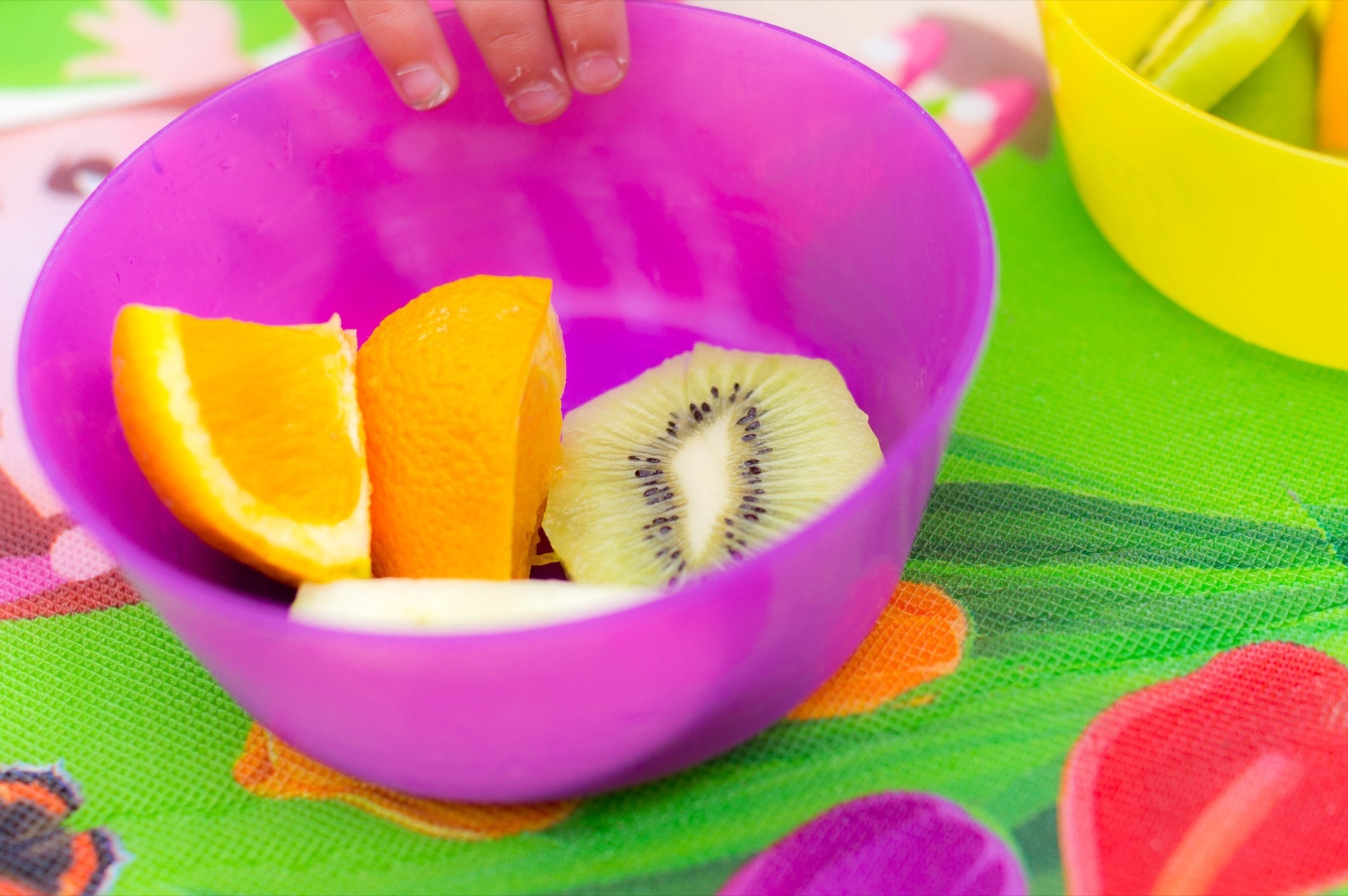 Snack time - Seasonal food is prepared in the nursery kitchen each day. Take a look at this weeks menu,