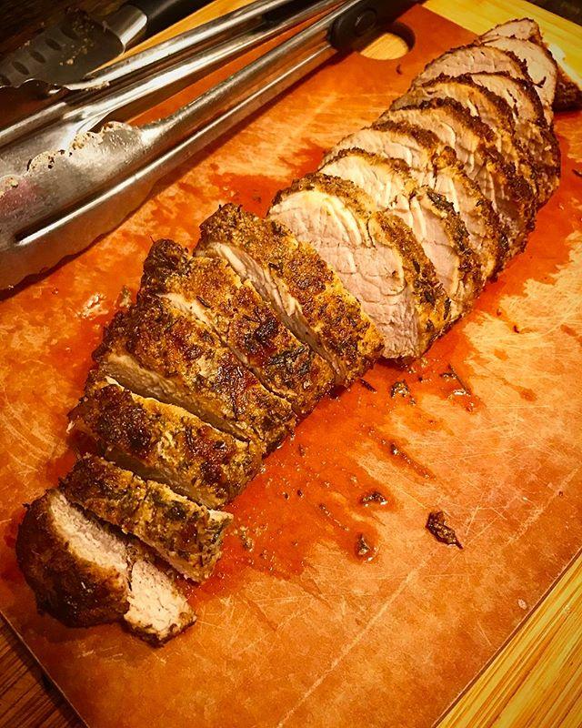Probably the best pork tenderloin I've ever made.  #supssimple  #jaymesplates