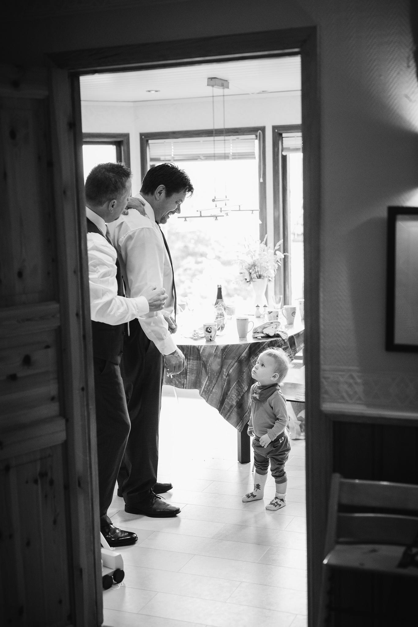 Norway+wedding+photographer+elopement+pre+wedding+Casey+Arneson-17.jpg
