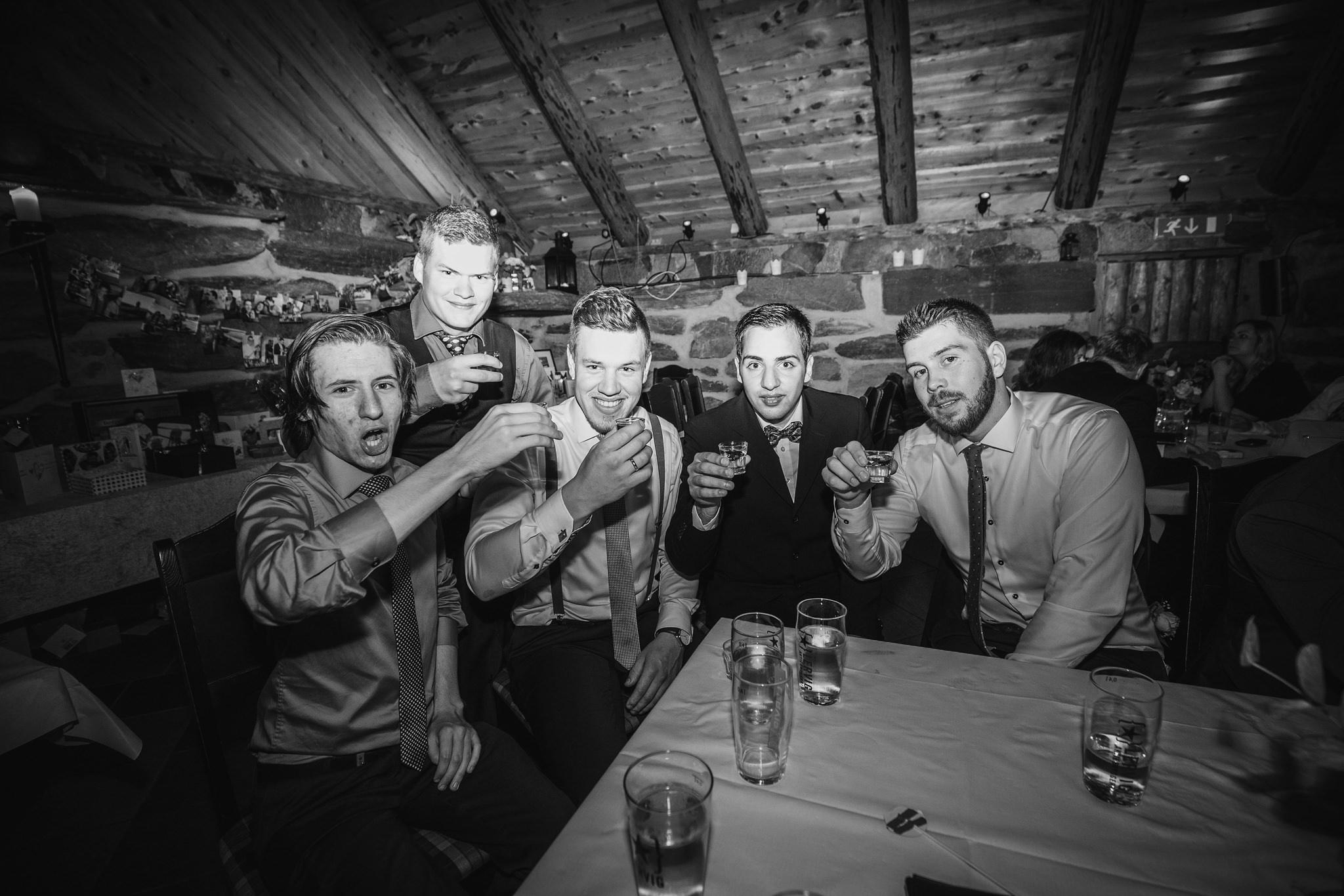 Norway+wedding+photographer+elopement+pre+wedding+Casey+Arneson-137.jpg