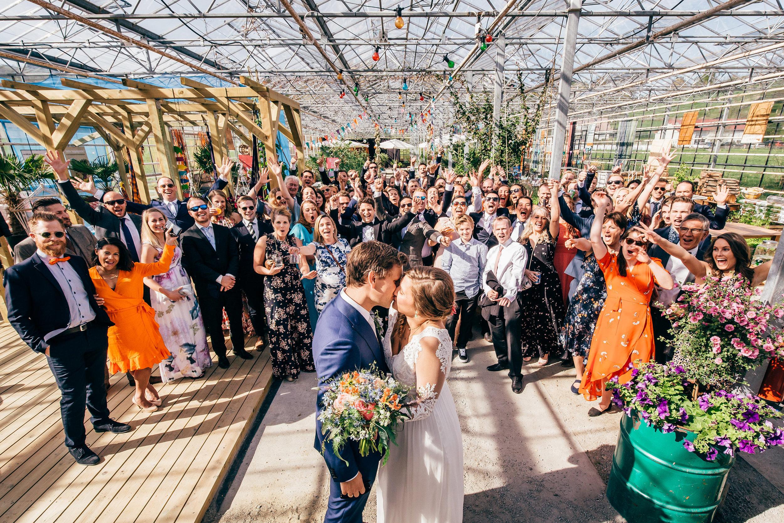 bryllupsfotograf-drivhus-bryllup-norge-rennesøy-bryllupsbilder