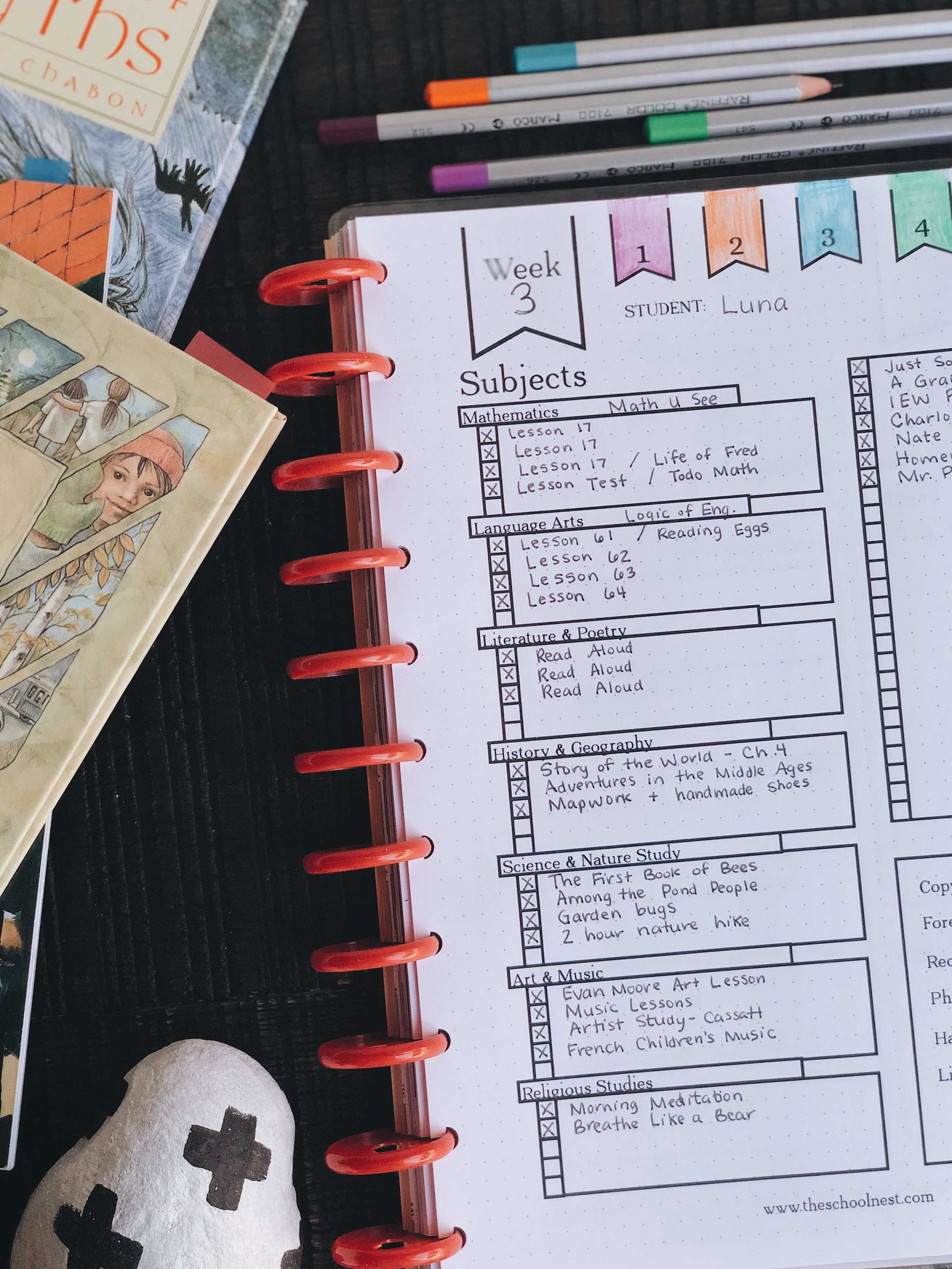 Homeschool Record Keeping with a Happy Planner | theschoolnest.com
