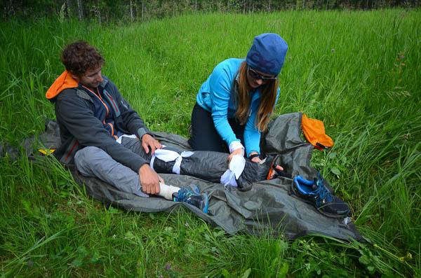 Online+Wilderness+First+Aid+-+Leg+Trauma+-+Love+and+Trails.jpg