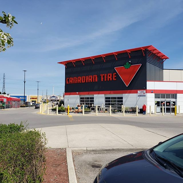 ***Now Available at Canadian Tire and Home Hardware locations ACROSS CANADA*** If you havent 🗣heard yet, Front St Heat🌶🔥 is now being sold across the country at Canadian Tire and Home Hardware locations!! Awesome feedback coming from a HUGE May 24 demo in a Cambridge Canadian Tire!! 🚀  #CanadasHotSauce  #SkysTheLimit
