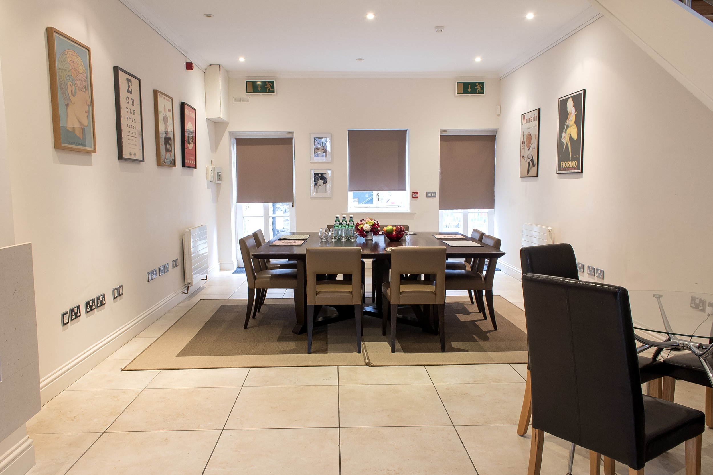 meeting rooms - Dry Hire Packages from 295 plus VAT Per DayFull service Packages from 450 plus VATINCLUDES:Exclusive use of either venuecomplementary breakfast pastriesall stationary, wifi and use of technologycappuccinos, Teas, Coffees, waters, crisps, chocolatesordering and serving lunch at cost *complementary morning and afternoon tea *Dedicated assistant **Full Service Only