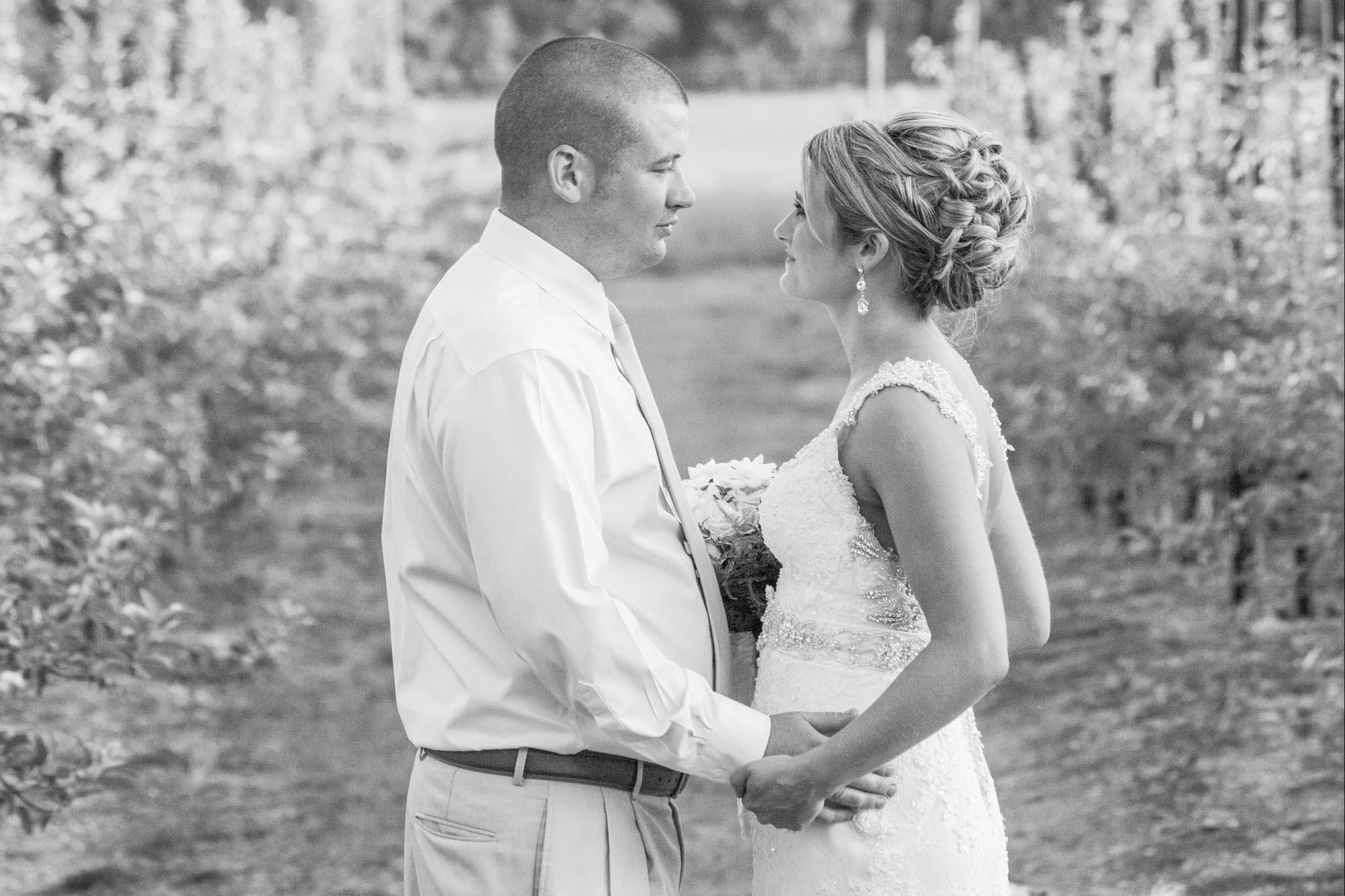 wv-wedding-photographer-sheena-pendley-7276-bw.jpg