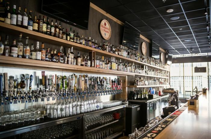 Bar 4 - Milwaukee   DOC's Commerce Smokehouse