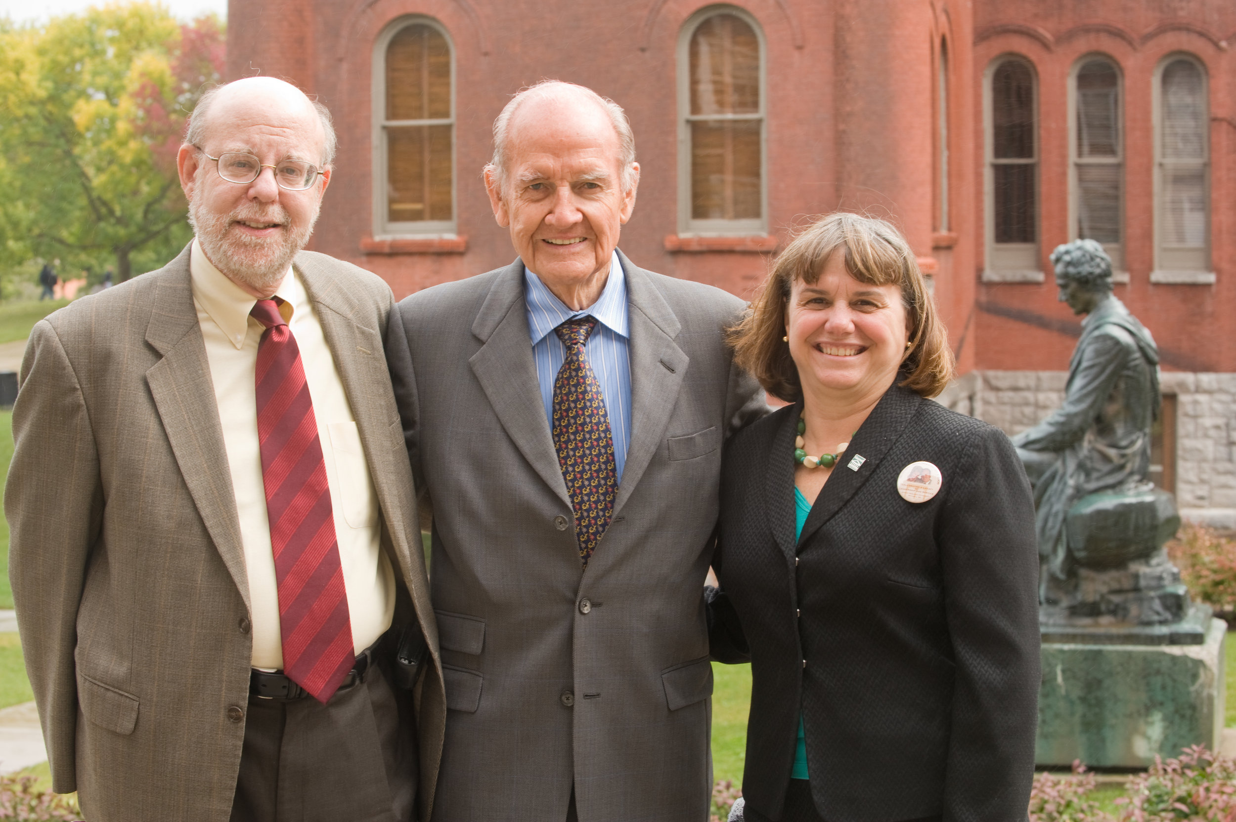 Catherine Bertini and PAIA Department Chair Stu Bretschneider welcoming Senator George McGovern to Maxwell after he had just written a book about Abraham Lincoln (2009)