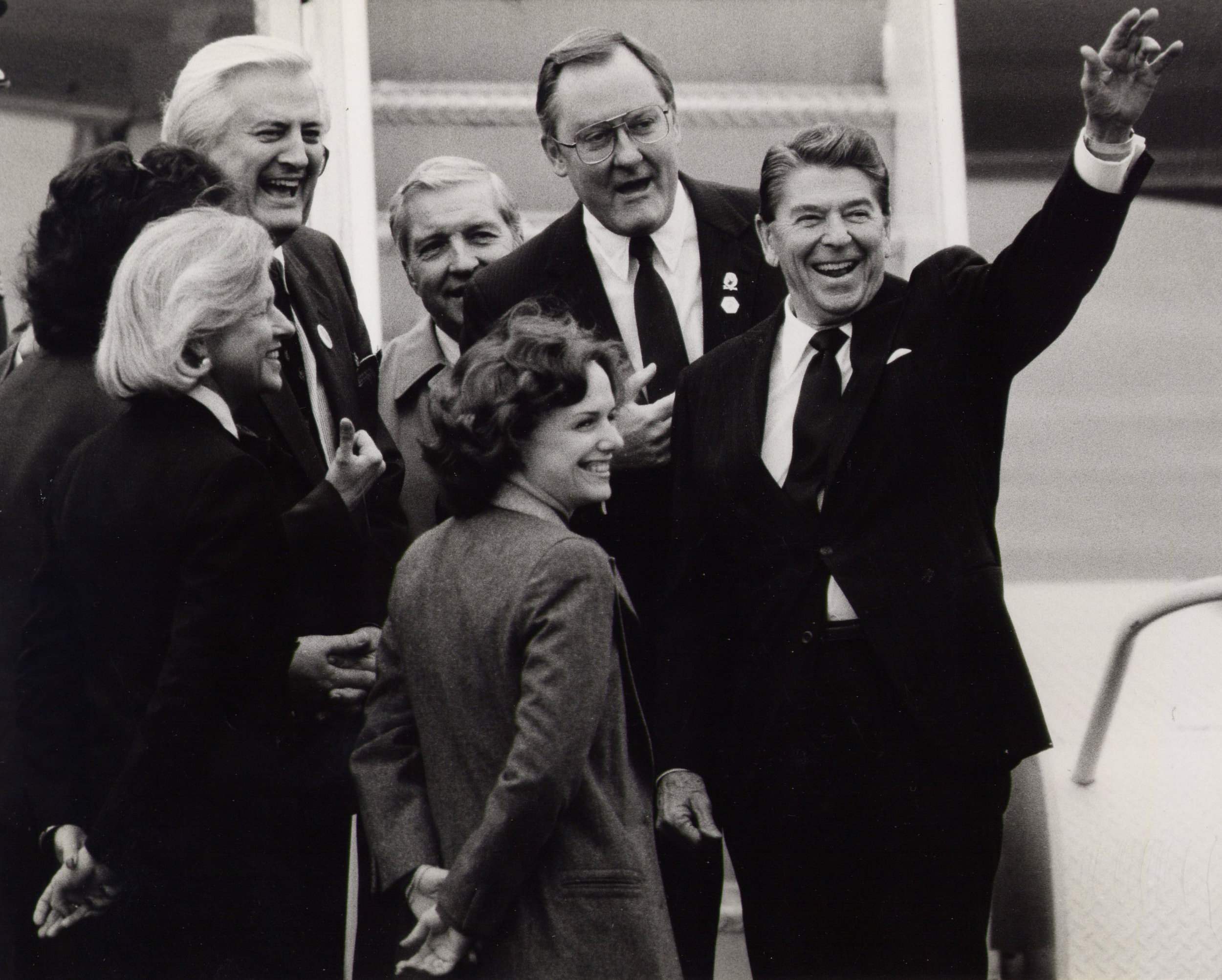 Greeting President Reagan as he arrived in Chicago,also with Governor James R. Thompson, Senator Charles Percy, Congressmen Henry Hyde and Loleta Didrickson (1984)