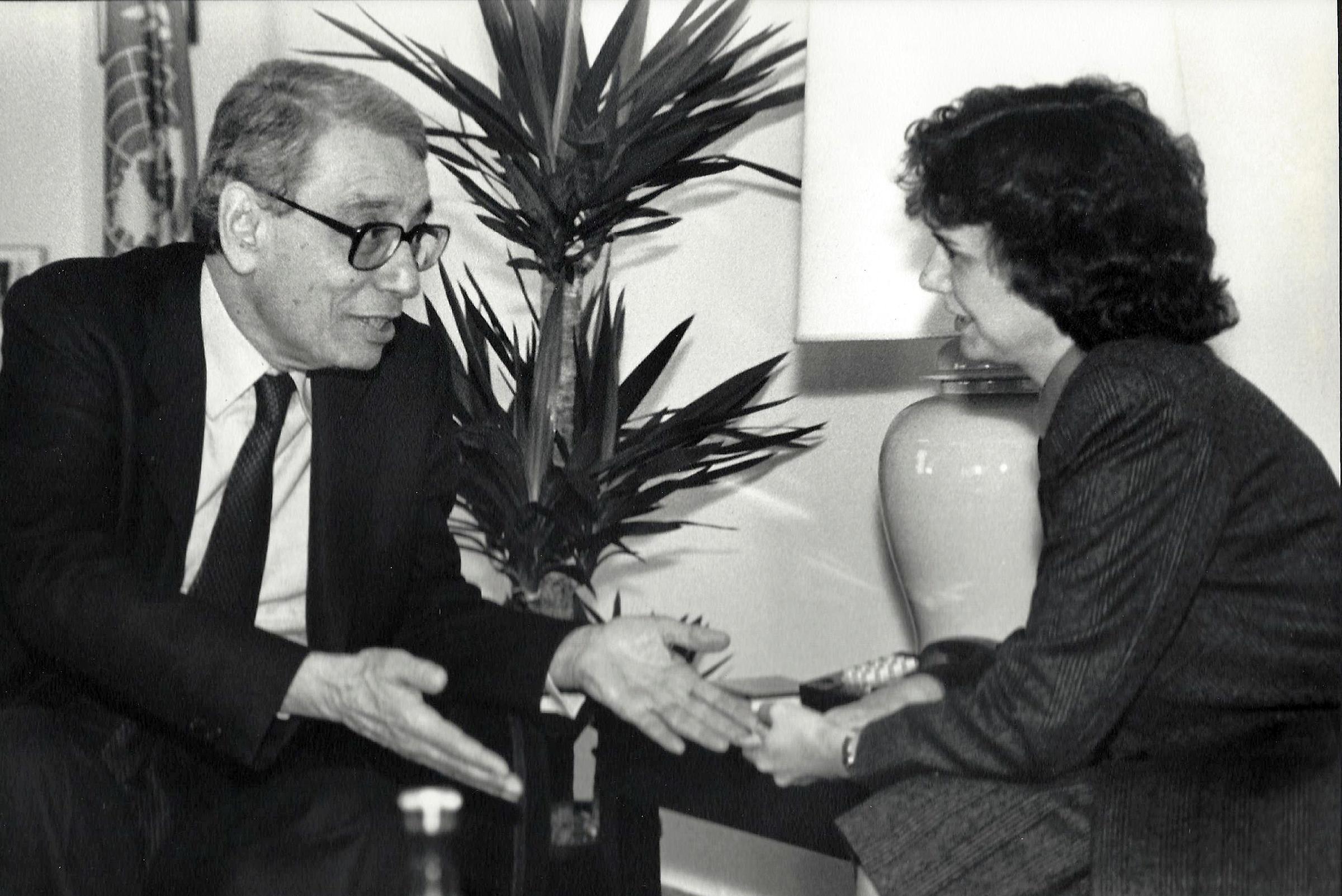 Catheirne Bertini with UN Secretary-General Boutros Boutros-Ghali (1993)
