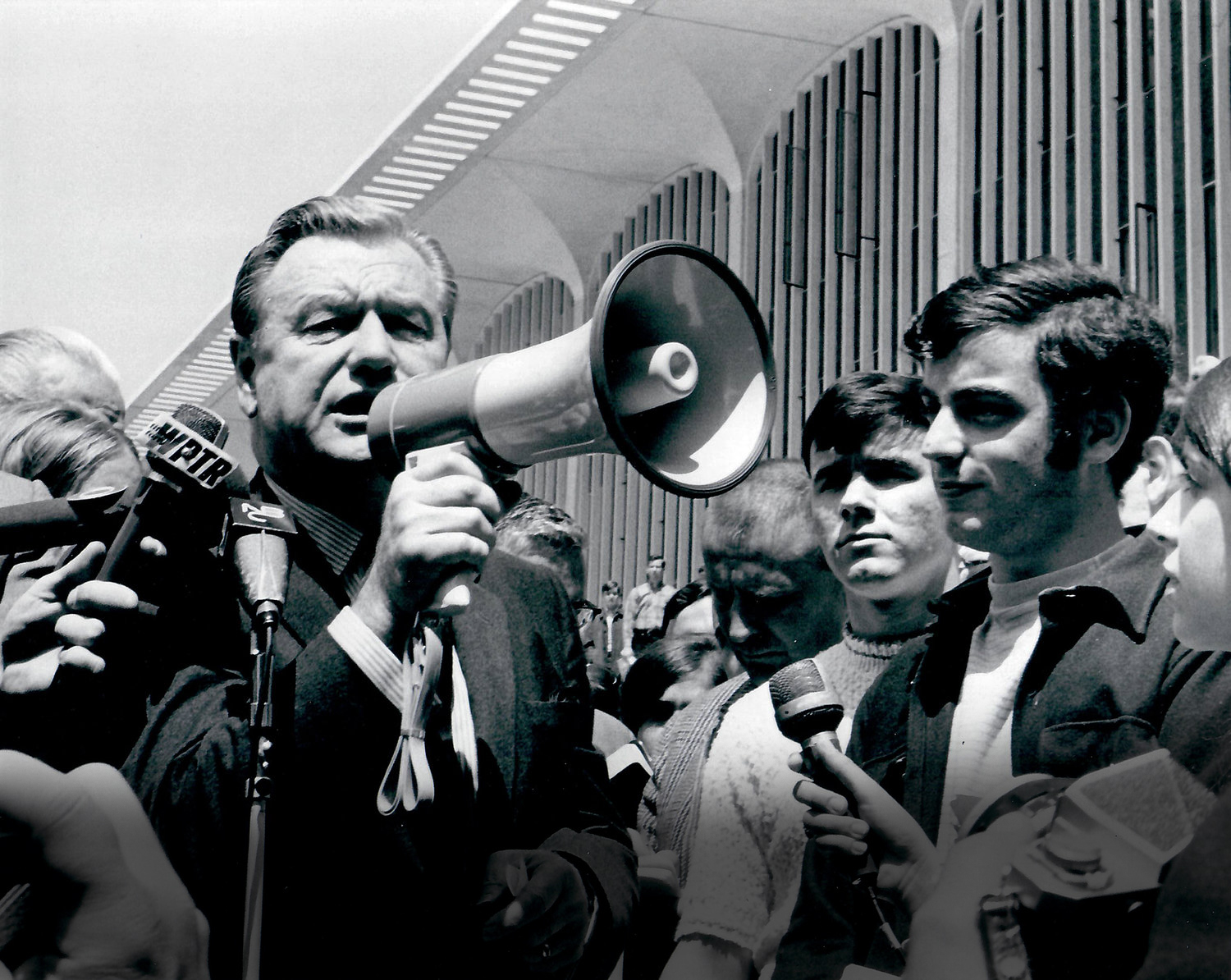 Catherine Bertini and William Brydges organized a rally at SUNY Albany where 2000 students showed up with 12 hours notice, two weeks after the Governor announced his presidential candidacy (1968)