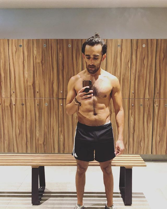 Way to get after it in the gym @leroileo!  Repost from @leroileo - G Y M    finally found my new 'home' 💪🏽 #gymlife #newgym #fitness #gainz #musculation #wod #manbun #mensfitness #motivation #followme #beard #menstyle #hoscos #polanco #cdmx #mexico 🇲🇽