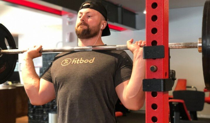 Grabbing the bar too much with your hand while front squatting can cause wrist pain