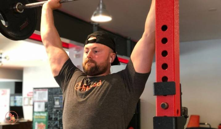 Training chest can make weightlifters' overhead stability stronger