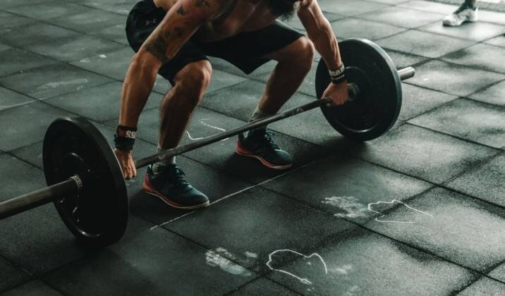 best exercises to program on a 3-day weightlifting split.jpg