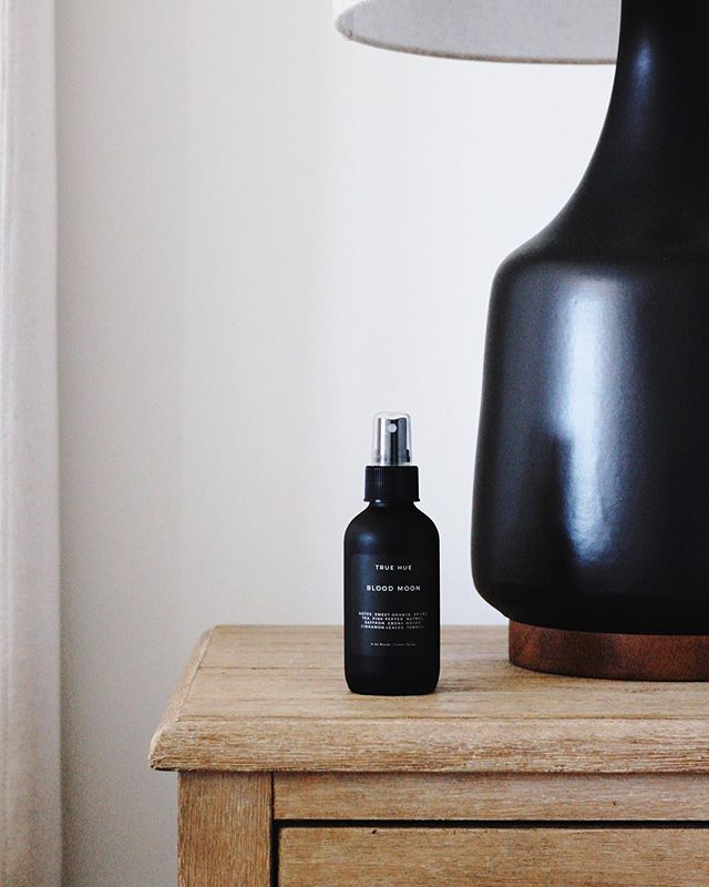 Did you know we now have reviews available on all of our products? Go show your favorite product/scent some love! • • • #truehue #homefragrances #minneapolis #shopsmall #scandinaviandesign #minimal #design #packagingdesign
