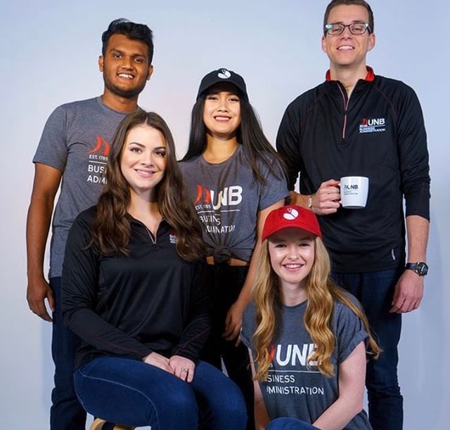 We all know business students love to save money... So get your BAUS merch now⚫️🔴 Use the code Bizweek2019 and save 25%‼️ Get it now at: https://squareup.com/store/unbbaus