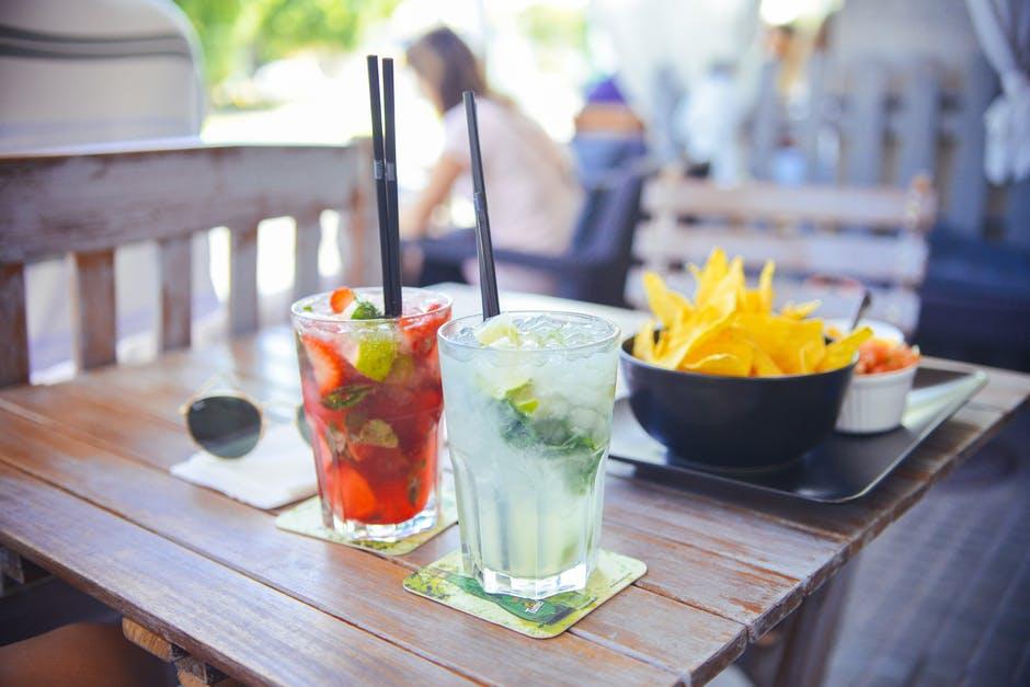 alcohol-bar-drinks-party.jpg