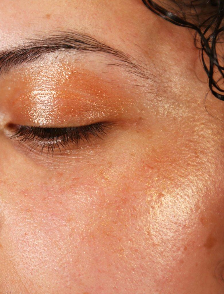 Cocokind Bronze Highlight Eyelid.jpg