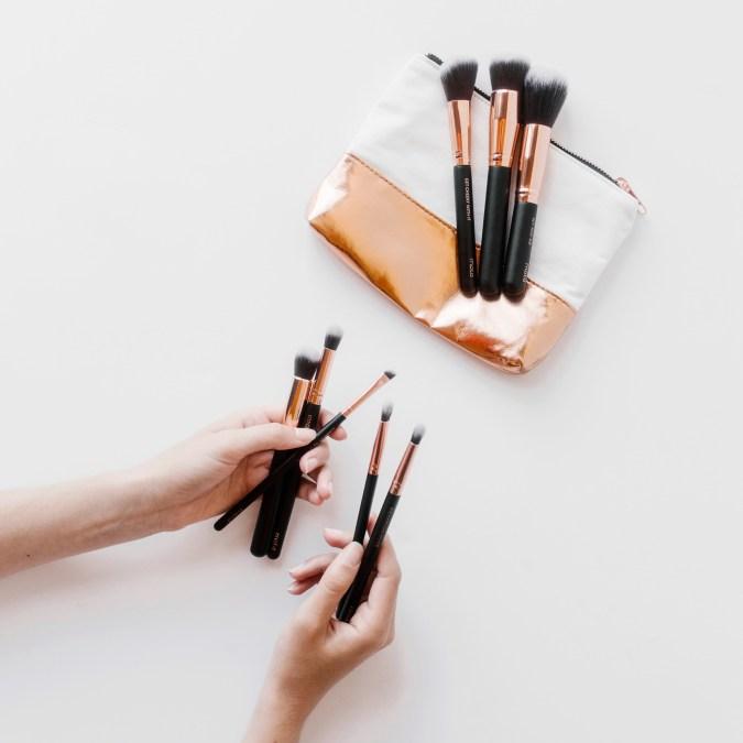 Essential-Set-MOTD-Cosmetics-Makeup-Brushes-Edit.jpg