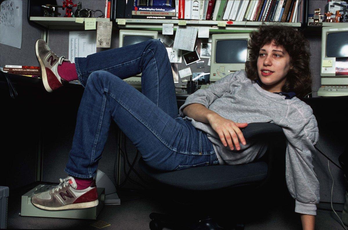 Susan Kare en su espacio de trabajo (circa 1980)