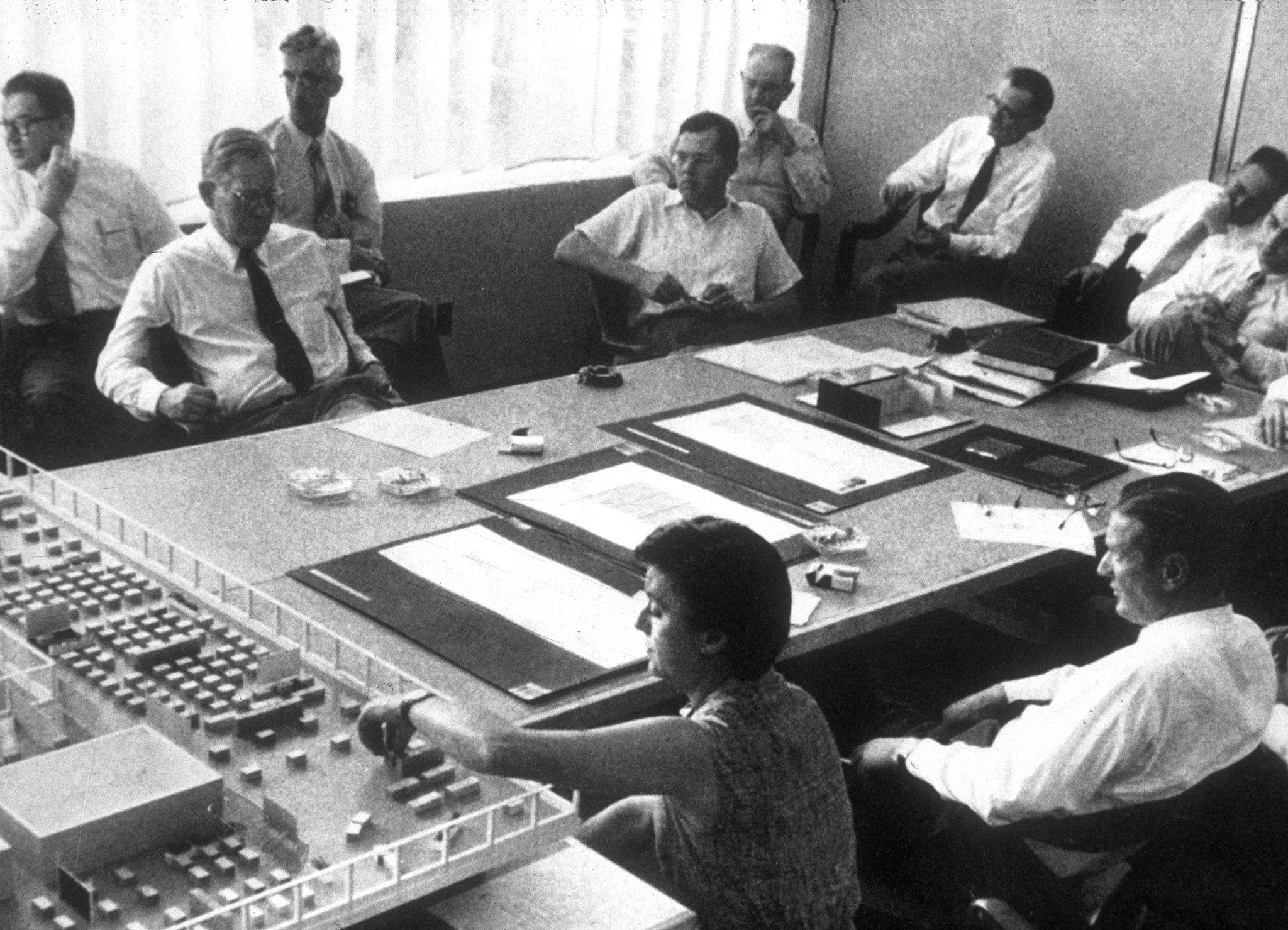 Florence Knoll y su equipo de trabajo en 1953