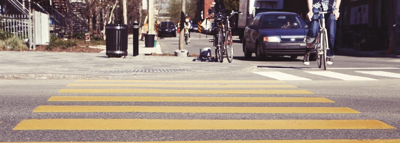 crosswalk-407023_1280.jpg