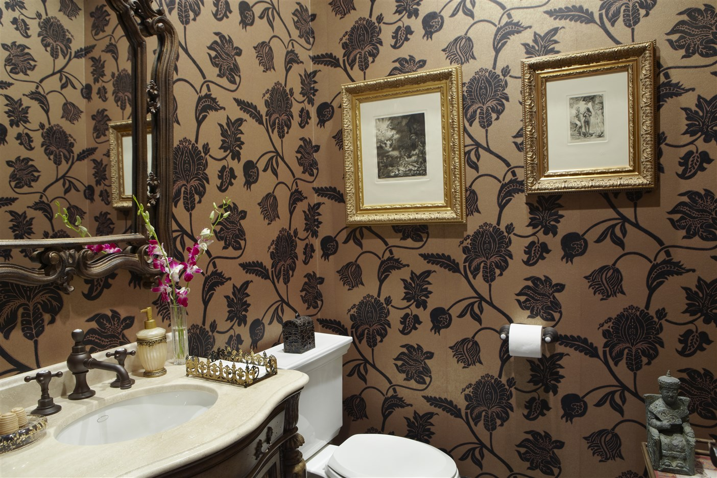 Golden-Bathroom-1-1404-x-936.jpg
