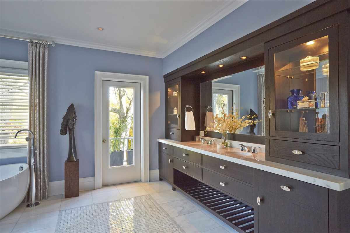 Modern washbasin sink counters with mirror