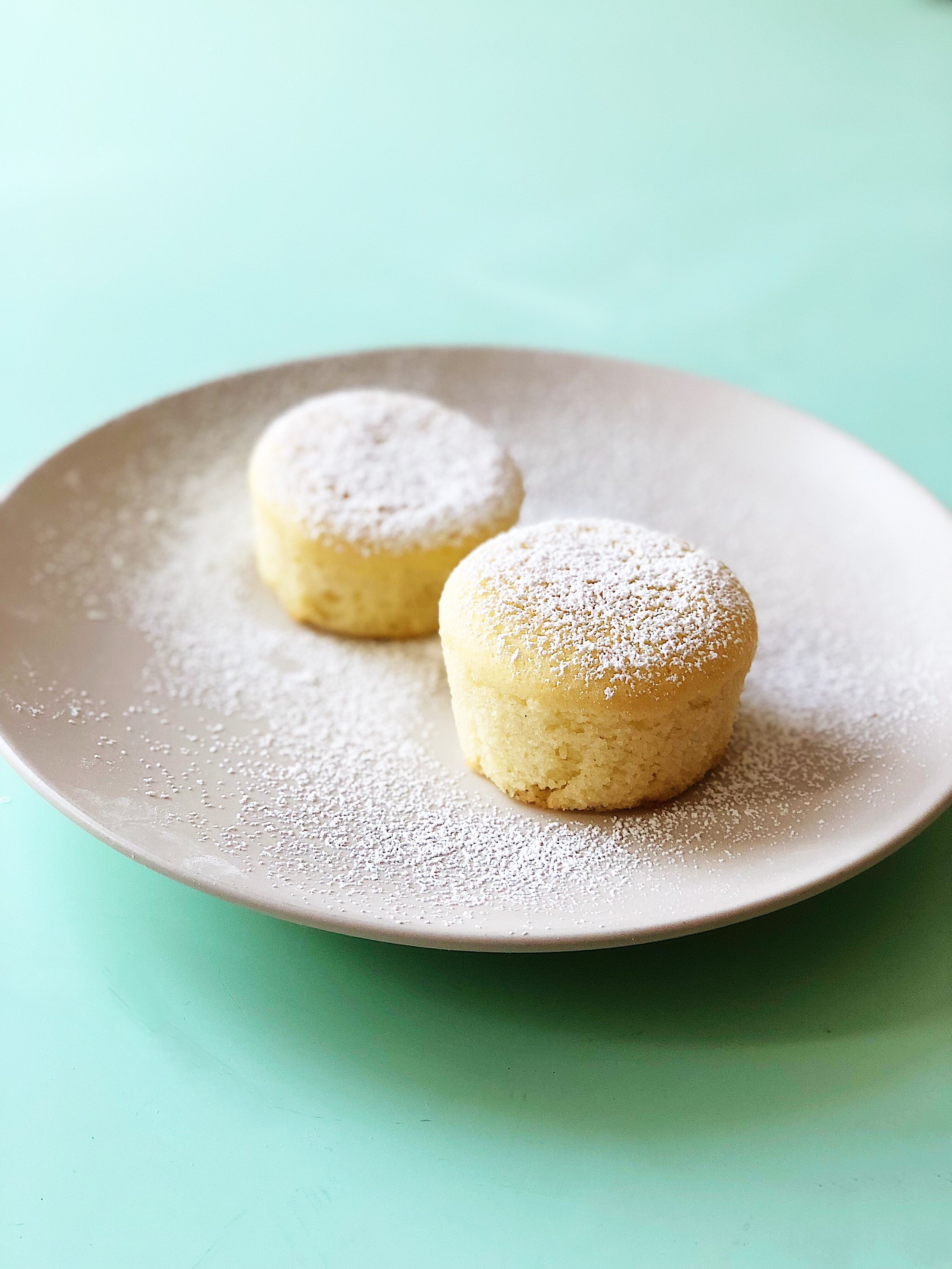 Mochi Cupcakes - stuffed with cookie butter