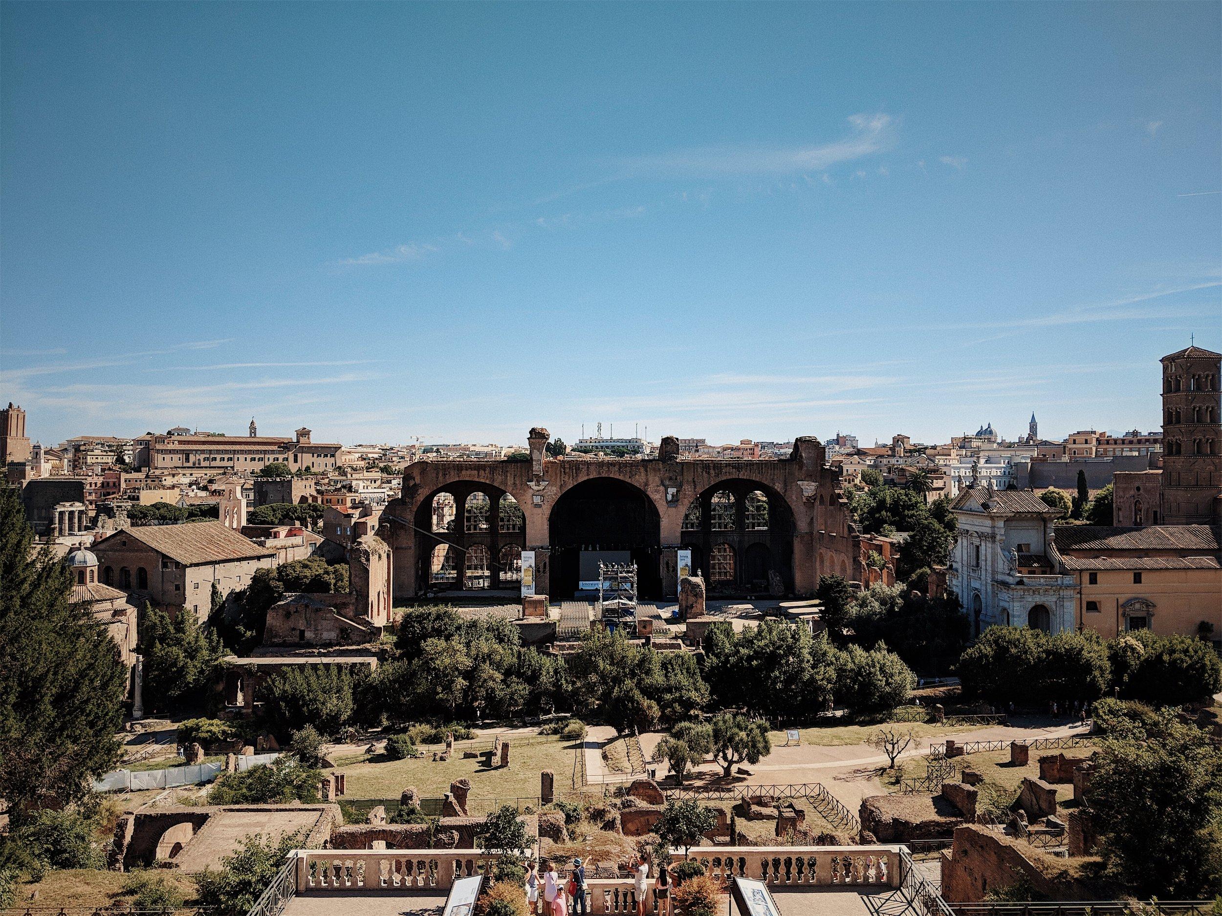 Roman Forum | Italy Travel Diary + Vlog Part 1 (Rome)