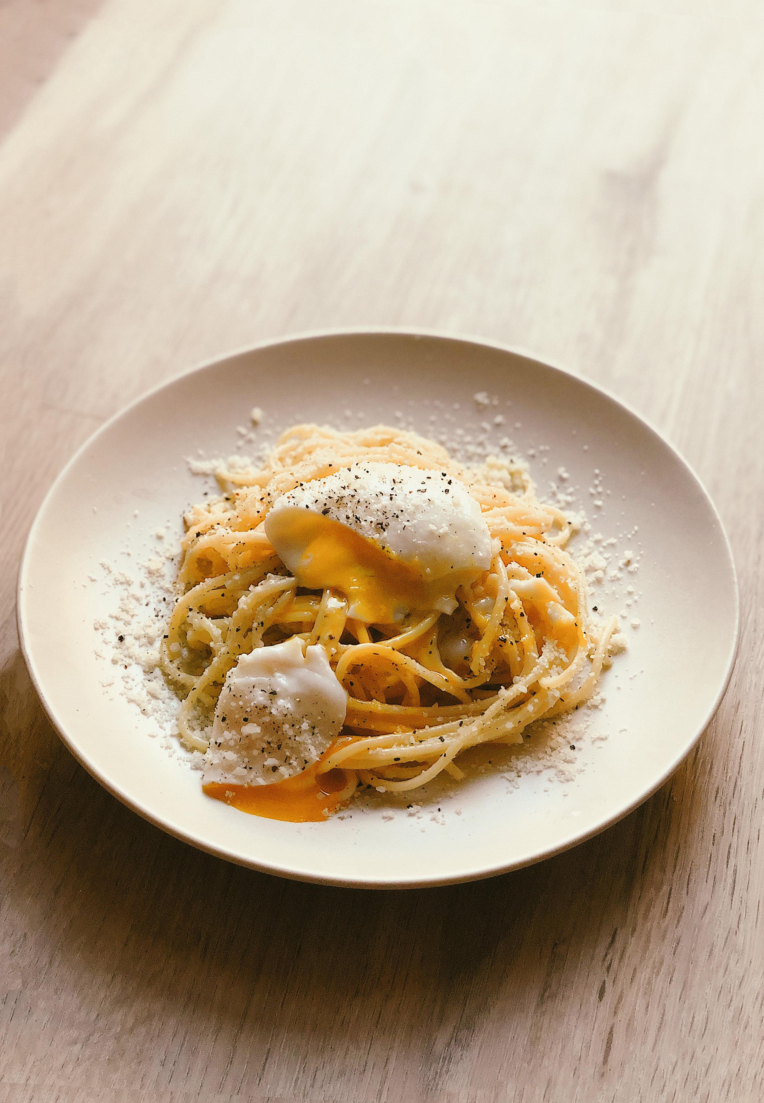 Cacio e Pepe - Simple 4-ingredient Pasta