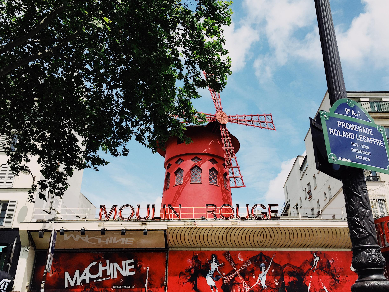The Paris Bucket List - Moulin Rouge