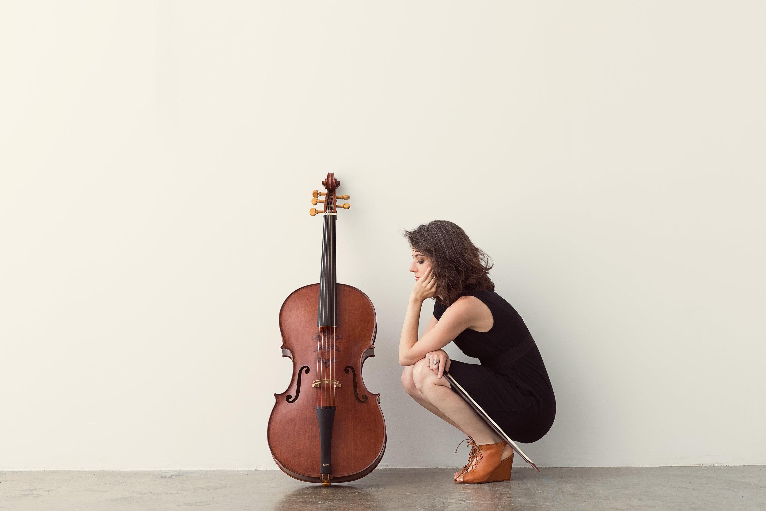 Elinor Frey (cello)